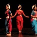 Natya Ballet y danza de la India en teatro de la ciudad