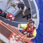 Rescatan a 2 mujeres y sus perros tras 5 meses a la deriva