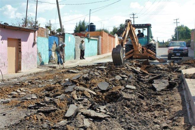 Photo of Lleva Larisa Solórzano más obras de infraestructura vial a comunidades rurales