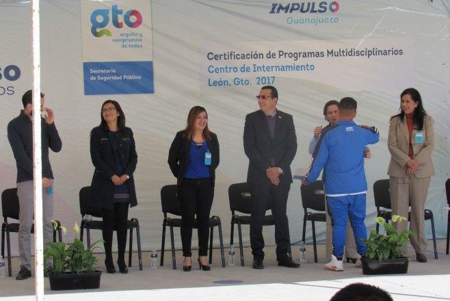 Photo of Entregan certificados escolares a jóvenes del Centro de Internación para Adolescentes