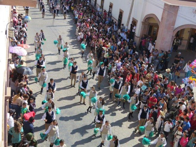 Photo of Desfilan por el 107 aniversario de la Revolución Mexicana en Huanímaro