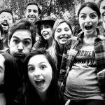 Aislinn Derbez desata rumores sobre el sexo de su bebé durante su primer baby shower