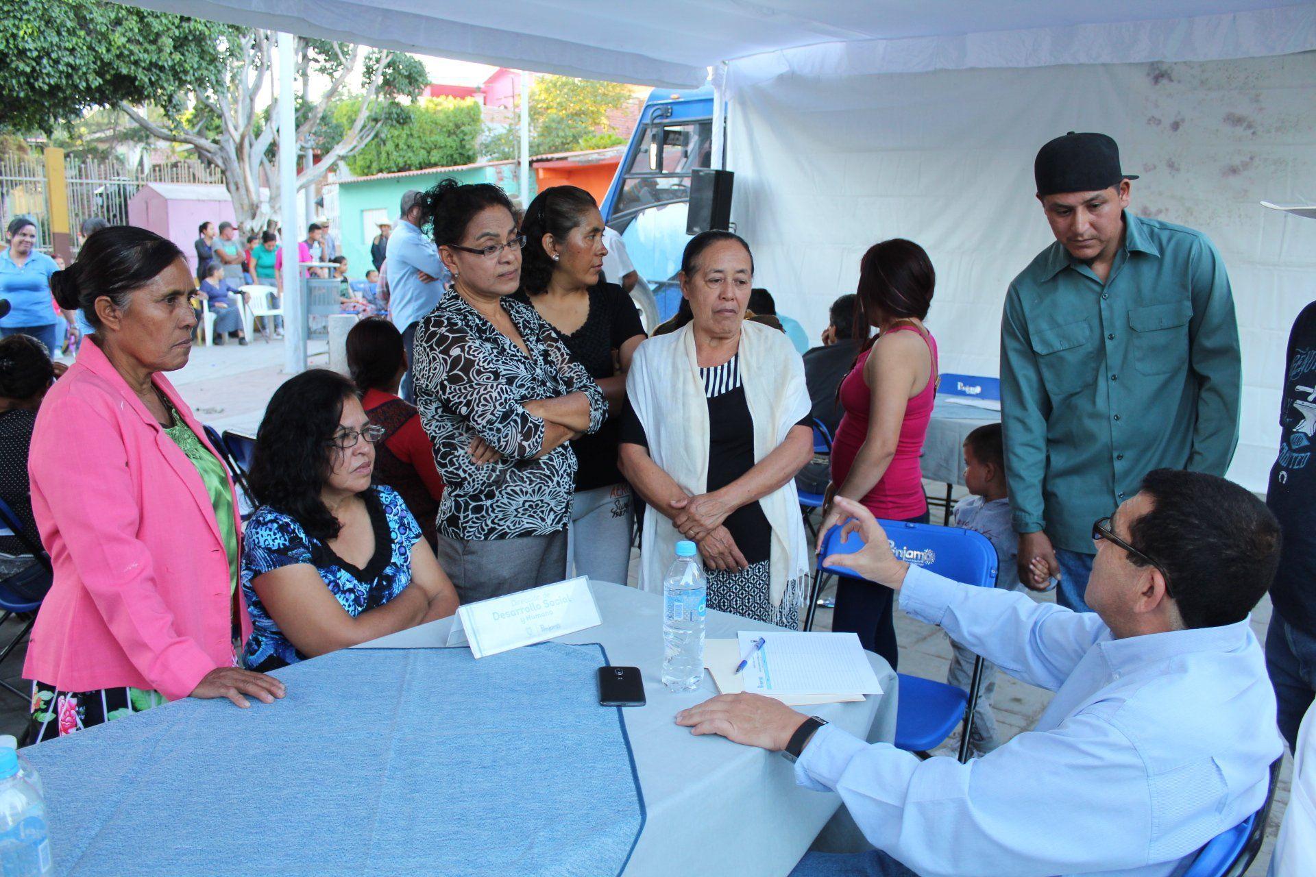 Photo of Acercan servicios de Oftalmología y biblioteca móvil