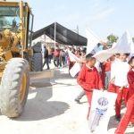 Arrancan trabajos en Boquillas, pavimentan acceso a comunidad