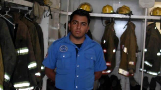 "Photo of ""Me tocó ser el héroe de un menorcito"": bombero de Irapuato"
