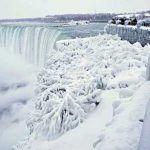 Se congelan las Cataratas del Niágara por frío extremo