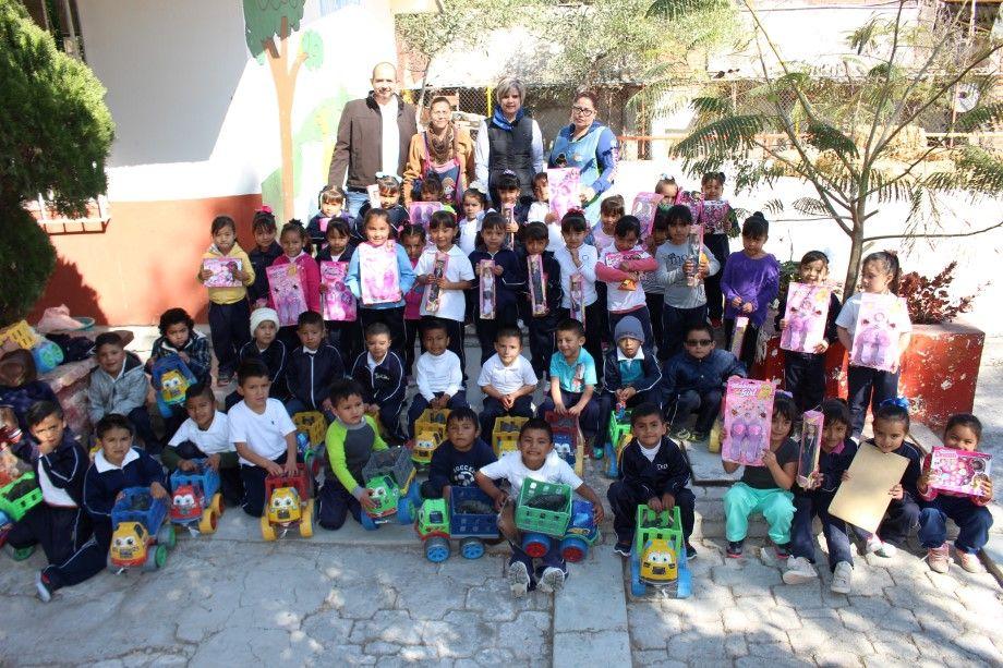 Photo of Realiza DIF entrega de juguetes a comunidades