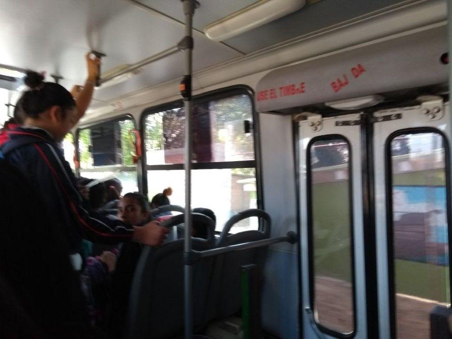 """Photo of """"No sirven timbres, agarraderas y asientos rotos"""": usuarios de transporte público"""