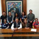 "Alcalde se compromete con pago de transporte a la ""Trinca"" femenil"