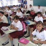Por frío modifican horario algunas escuelas de Guanajuato
