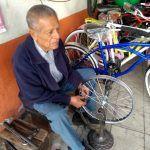 Su afición por el ciclismo lo convirtió en una forma de vida