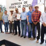 Entregan Título de Concesión para pozo de La Mora