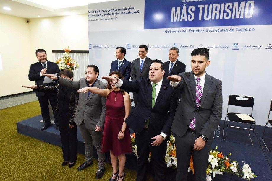 Photo of Llama Ricardo Ortiz a hoteleros y moteleros conjuntar esfuerzos para fortalcer la seguridad