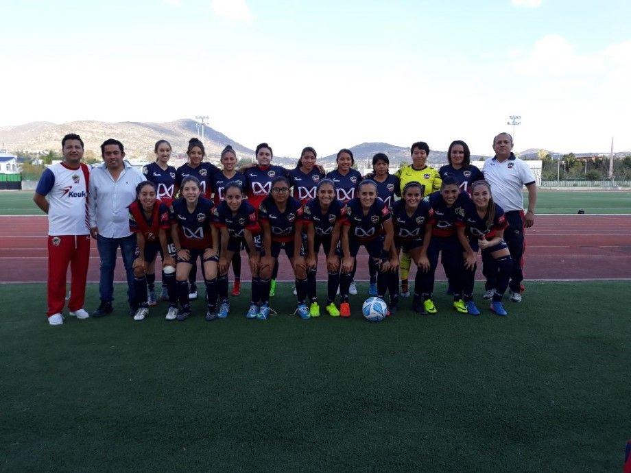 """Photo of """"Trinca"""" femenil remonta y vence a Querétaro 2-3"""
