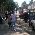 Vecinos cierran calle Sarape en colonia Las Carmelitas; se manifiestan por levantamiento de asfalto