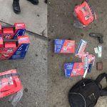 Hombres armados entran y roban Autozone; un detenido