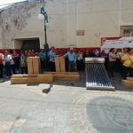 Beneficia gobierno municipal a 100 familias con calentadores solares