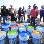 Entregan pintura en Cofradía de Guerra, Chamacua y Puerto de la Cruz