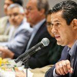 Torres Graciano a cargo de tema de seguridad; Sinhue presenta equipo de campaña