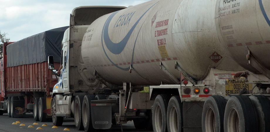 robo-combustible-trasnporte-carga.jpg