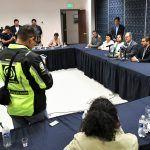 Sostienen el Secretario de Seguridad Pública del Estado, Alvar Cabeza de Vaca Appendini, reunión con integrantes de la LXIII Legislatura