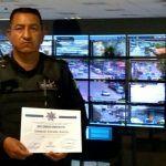 Entregan reconocimiento a policía que salvó la vida de un menor