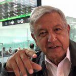 """López Obrador propone """"memes"""" contra """"guerra sucia"""""""