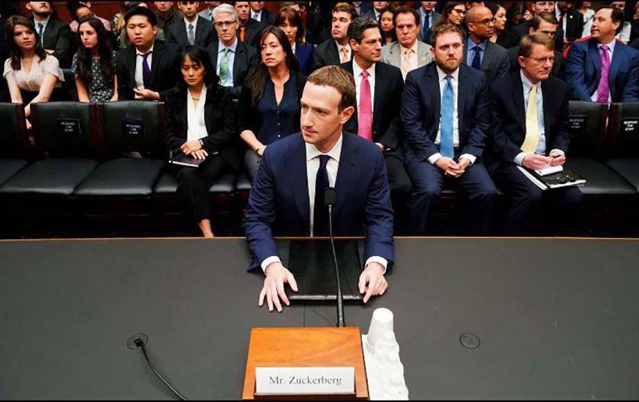 Photo of Zuckerberg afirma que sus datos también fueron vendidos