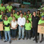 Platica Ricardo Ortiz con trabajadores de eco estufas