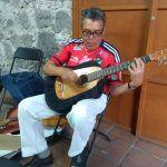 """""""No hace falta que salga la luna pa' venirte a cantar ni canción"""": """"Maestro Quintero"""", músico irapuatense"""