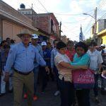 Atiende Ricardo Ortiz peticiones de colonos de Valle del Sol