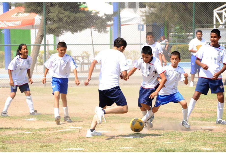 """Photo of Torneo Deportivo """"Jugando por un Futuro"""" Fortalecen el Arraigo Escolar"""