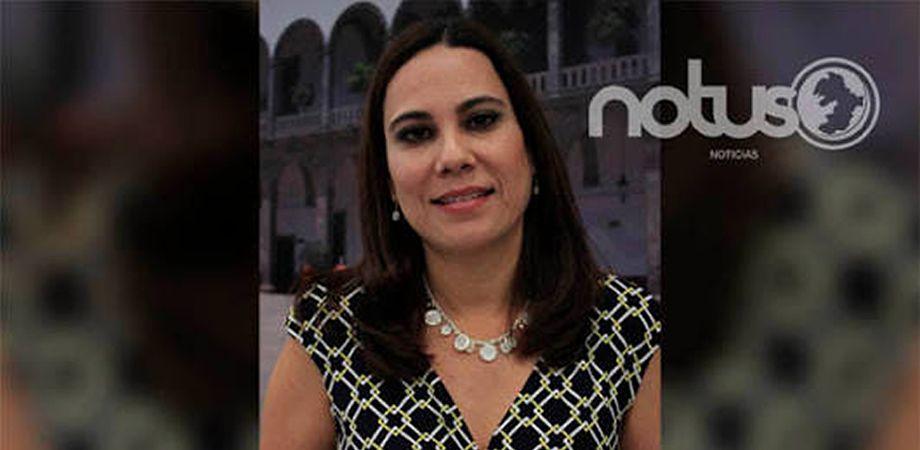 """Photo of Candidata """"chapulina"""", su habilidad es """"brincar""""  de un puesto a otro"""