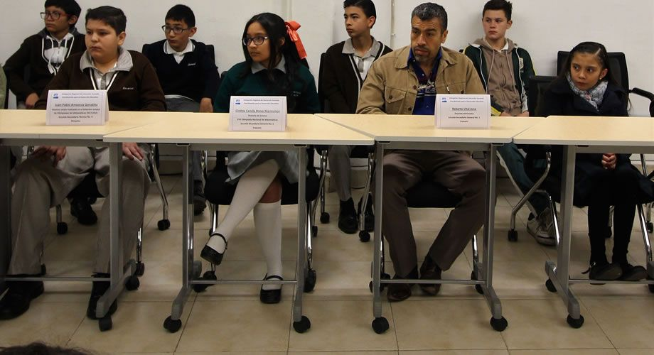 Photo of Destacable apoyo de maestros y padres de familia a estudiantes partícipes en las olimpiadas de matemáticas