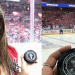 Revienta implante de Mia Khalifa durante juego de hockey