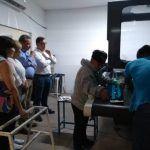 Platica Ricardo Ortiz con trabajadores de textilera