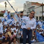 """""""No te voy a defraudar"""", asegura Ana Bueno; tiene masivo cierre de campaña"""