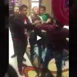 En plaza comercial, mexicanos protagonizan una pelea en Rusia