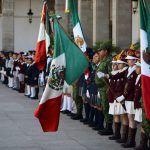 Autoridades presiden Ceremonia de Incineración de Banderas y Abanderamiento de 25 escoltas de instituciones educativas