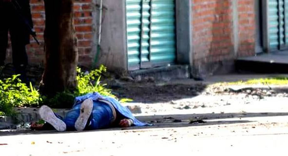 Photo of Identifican a presuntos homicidas que mataron a mujer en Pénjamo