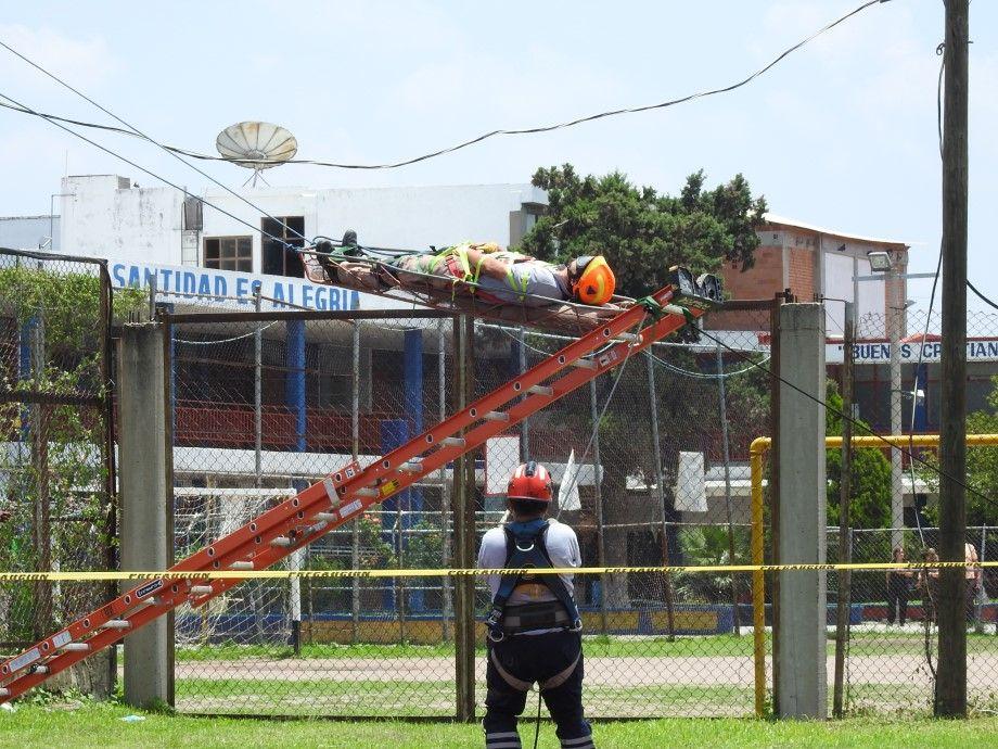 Photo of Capacitan a elementos y voluntarios de PC y Bomberos en rescate en las alturas