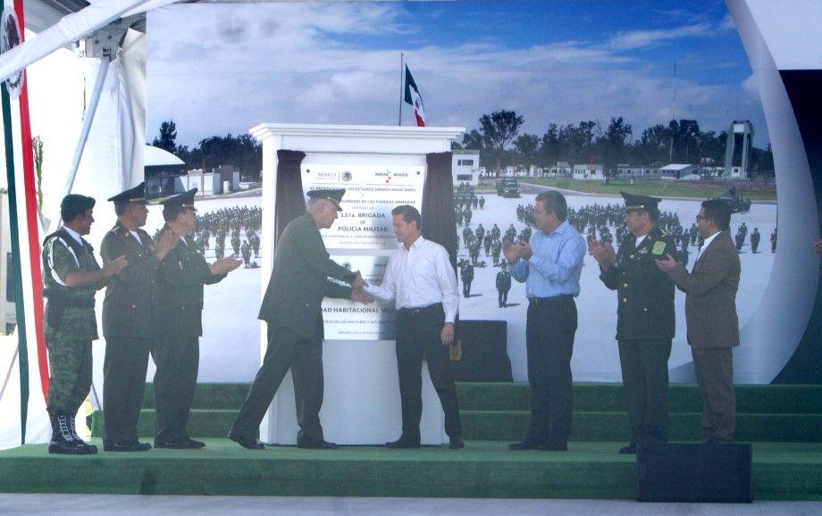 Photo of Peña Nieto y Márquez Márquez inauguran Brigada de Policía Militar en Irapuato