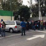 Padres realizan guarda para evitar demolición del Colegio Rébsamen