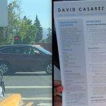 Joven indigente reparte copias de su CV en una esquina y se vuelve viral