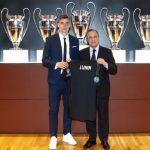 Real Madrid presenta a ucraniano de 19 años como su tercer portero