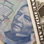 El 'analista optimista' prevé que el dólar cierre el año en 18 pesos
