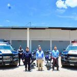 Entrega alcalde 4 camionetas Pick up y dos motocicletas a Seguridad Pública