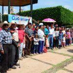 Entrega alcalde 106 tinacos a familias cueramarenses