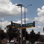 Colocan paneles solares en Semáforos con problemas de cortes de energía