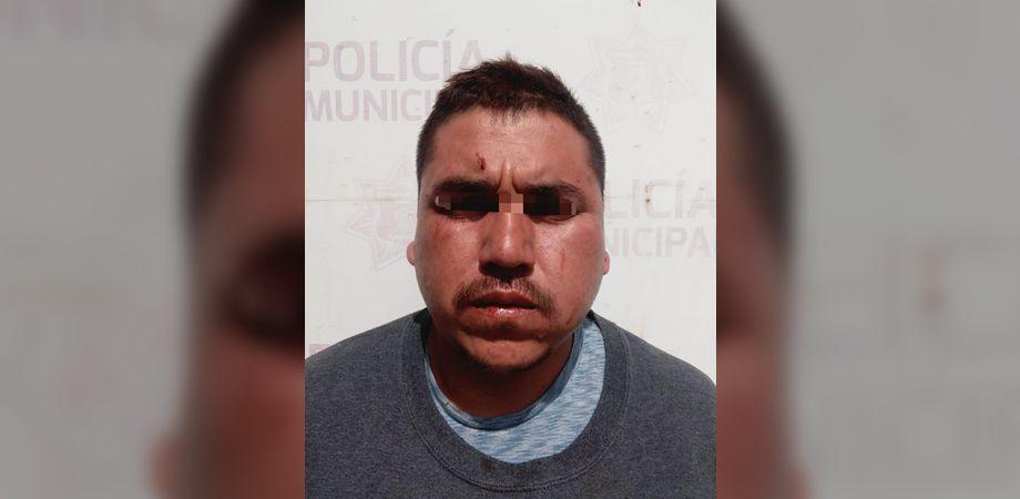 Photo of Delincuente asalta con pistola de juguete; vecinos lo amarran y entregan a la policía